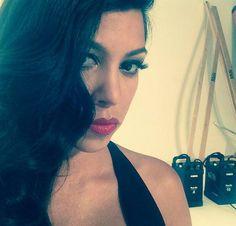 Kardashian Beauty Hair, Kim Kardashian, Kourtney and Khloe with glamor launched the Kardashian Beauty Hair range