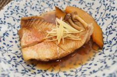 これができれば料理上手!『赤魚の煮付け』で、冷凍魚もワンランク上の味に◎ - macaroni