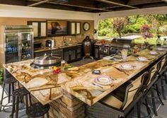 Outdoor Kitchen Designs | Brown Jordan Outdoor Kitchens