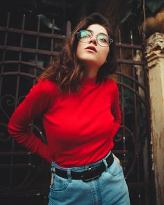 Creative Portrait Photography, Girl Photography Poses, Creative Portraits, Urban Photography, Film Photography, Female Photography, Selfie Poses, Beauty Full Girl, Aesthetic Images
