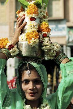 Ofrenda en el templo en Puskar