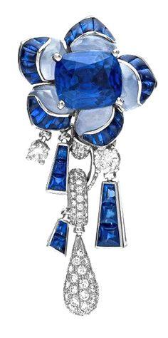BVLGARI Biennale Sapphire Earring  18k white gold blue sapphire