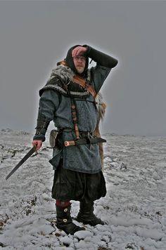 Norse in snow Iceland . Viking Garb, Viking Men, Viking Costume, Viking Life, Viking Clothing, Historical Clothing, Real Vikings, Mens Garb, Old Norse