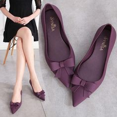 Summer Jelly Flats Women Beach Sand Soft Pointy Toe Flat Heel Sandals Women Rain Shoes With Bowknot Purple Shoes, Black Shoes, Buy Shoes, Me Too Shoes, Narrow Shoes, Rain Shoes, Pointy Toe Flats, Jelly Shoes, Woman Beach