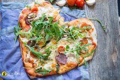 Πίτσα σε σχήμα καρδιάς με πεπερόνι - gourmed.gr