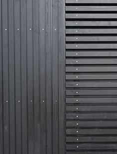 Wood with a black color looks very modern and can appeal to young people better – Woodworking 2020 Timber Slats, Timber Cladding, Black House Exterior, Exterior Doors, Garden In The Woods, House In The Woods, Interior Storm Windows, Delta House, Wood Slat Wall