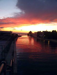 Coloratissimo tramonto in Versilia