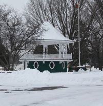 Picture of the Couchiching Beach Park bandstand during the winter. Playground, Ontario, Things To Do, Canada, Community, Park, Beach, Water, Pictures