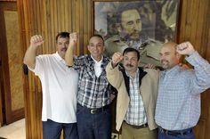 Linerdade Aos Cinco Cubanos Presos Politicos: Los Cinco en la Patria: una victoria de Cuba y tod...