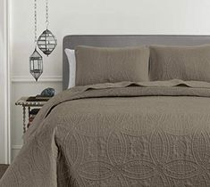Amazon.com: Chezmoi Collection Austin 3-Piece Oversized Bedspread Coverlet Set (King, Taupe): Bedding & Bath Bed Spreads, 3 Piece, Comforters, Taupe Bedding, Charcoal, King, Blanket, Arizona, Bath