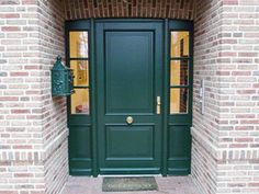 Holz-Haustür                                                                                                                                                                                 Mehr Outdoor Projects, House Front Door, House Front, Tall Cabinet Storage, Front Door Paint Colors, Farmhouse Renovation, Front Door Canopy, Painted Doors, Home Decor