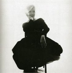 Marilyn Monroe by Bert Stern I think this is my favorite picture of her... Ever. Very subtle. Love it!
