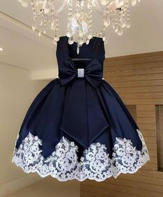See Mini Bridal Party And Little Bridal Styles Different From The Regular White Colour - Wedding Digest Naija Frocks For Girls, Gowns For Girls, Dresses Kids Girl, Kids Outfits, Kids Dress Wear, Kids Gown, African Dresses For Kids, Latest African Fashion Dresses, Baby Girl Dress Patterns