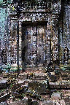 Puertas antiguas de las persianas del templo