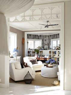 I love the home of Swedish TV chef Leila Lindholm, featured in the latest issue of the Swedish magazine Family Living. A wonderful mix of el. My Living Room, Living Spaces, Cottage Living, Cozy Living, House Of Philia, Industrial Living, Slipcovers For Chairs, Living Room Ideas, Houses