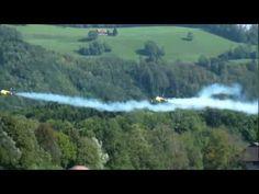 Jet 2 Hawk Hunter Turbine Synchronflug with smoke Heart at the Sky. Jet, Air Show, Northern Lights, Smoke, Facebook, Film, Nature, Travel, Smoking