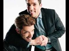 Did you know it's National Hug Day? Embrace it and family headlocks count too! Jonathan Scott, Drew Scott, Property Brothers, Scott Brothers, The Brethren, Man Alive, Embedded Image Permalink, Hug, Hot Guys