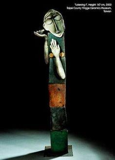 Listening I by Ute Grossmann, german artist she was born in 1960 in Dresden. Raku, H. Sculptures Céramiques, Sculpture Clay, Ceramic Figures, Ceramic Artists, Porcelain Ceramics, Ceramic Pottery, Totems, Ceramic Sculpture Figurative, Outdoor Sculpture