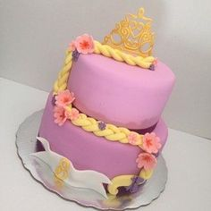 Rapunzel's cake. The hair says it all <3:
