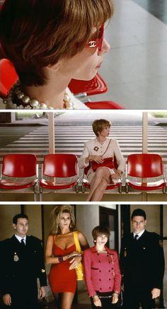 """Victoria Abril como Rebeca en la película de Pedro Almodóvar """"Tacones Lejanos"""", 1991. Vestida de pies a cabeza con Chanel !!!!!!!"""