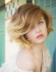 Golden Blonde Short Hairstyles for Fall