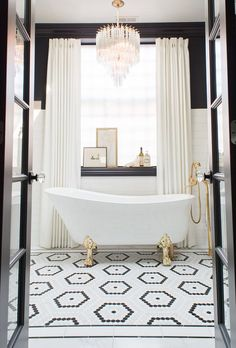 Master Bathroom Renovation Inspiration - classic and modern black white and marble master bathroom, gold fixtures, high contrast, border til - White Bathroom Tiles, Bathroom Floor Tiles, Small Bathroom, Black And White Master Bathroom, Bathroom Ideas, Master Bathrooms, Black White Bathrooms, Bathroom Fixtures, Bathroom Organization