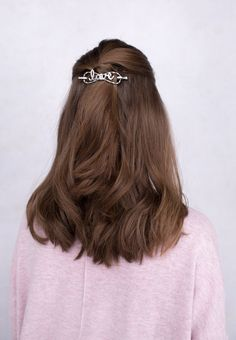 'Love' flexi clip - you'll love how it feels and you'll love how it looks! Wear this charming accessory in a half up style or a twist.