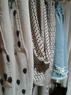 Sneak peek...@rachel_comey delivery has arrived and we love it! pic.twitter.com/XDc5PMicTu