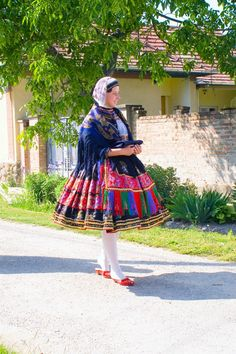 Folk Dance, Folklore, Hungary, Midi Skirt, Military, Costumes, Skirts, How To Wear, Fashion