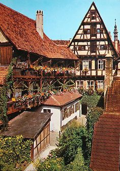 ✈ Dinkelsbühl with its Bavarian half-timber houses was our favorite place to stop over. We stayed at the Gasthof Zum Goldenen Anker. The Places Youll Go, Places To See, Wonderful Places, Beautiful Places, Beautiful Homes, Travel Around The World, Around The Worlds, German Houses, Romantic Road