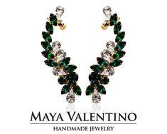 Ear cuff Emerald earcuff Gold ear cuffElegant by MayaValentino Prom Jewelry, Jewelry Model, Bridal Jewelry, Jewelry Gifts, Handmade Jewelry, Unique Jewelry, Jewelery, Cuff Earrings, Bridal Earrings