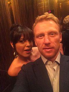 Kevin McKidd (Owen Hunt) selfie with Sara Ramirez (Callie Torres). In New York for Grey's Anatomy publicity. [Kevin's Twitter]