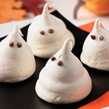 These sweet little meringue ghosts are easy to make, and a fun way to dress up any Halloween centerpiece.