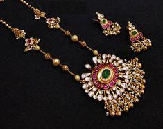 Indian Jewelry Sets, Indian Wedding Jewelry, Bridal Jewelry, Indian Weddings, Indian Bridal, India Jewelry, Temple Jewellery, Ruby Jewelry, Indian Gold Jewellery