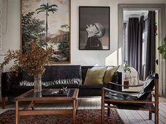 lovers of mint: Une maison où l'art est maître absolu Living Room Interior, Bathroom Interior Design, Living Room Decor, Living Spaces, Interior Decorating, Minimalist House Design, Minimalist Home, Flat Interior, Easy Home Decor