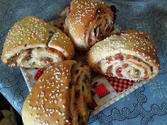 Töltött háromszögek – Közösségi Receptek Bors, Hamburger, Bread, Bacon, Brot, Baking, Burgers, Breads, Buns