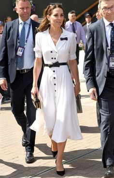 Thigh Slits, Polka Dots, Basket Bags… Behold Kate's Royal Style Reinvention - Kate Middleton Style: For another day at Wimbledon, Kate opted for this gorgeous white dress from S - Casual Kate Middleton, Kate Middleton Wimbledon, Kate Middleton Outfits, Princess Kate Middleton, Kate Middleton Fashion, Nail Design Spring, Classy Outfits, Fashionable Outfits, Kate Dress