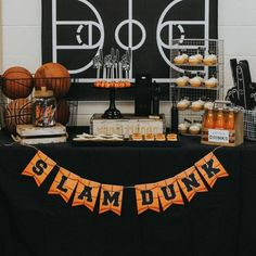 Trendy Ideas For Basket Ball Decorations Party Boy Birthday Sports Themed Birthday Party, Basketball Birthday Parties, Boy Birthday, Basketball Party Favors, Birthday Basket, Sports Party, Birthday Ideas, Birthday Crafts, Basketball Cupcakes