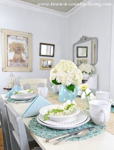 Summer Table Setting in White and Aqua