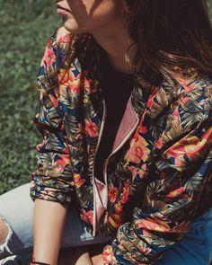 Tropical summer bomber jacket #floralbomberjacket #surfstyle #summerbomber #tropical #floral
