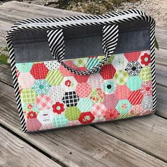 Makers tote - or someone could MAKE me one. I also love polka dots and Hazel the Hedgie Secret Pal, Paper Piecing, Diaper Bag, Polka Dots, Quilts, Quilting Ideas, Sewing, Pouches, Mini