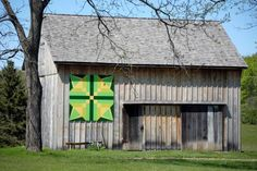 Irish Star: Hosted by the Backus-Page House Barn, 29424 Lakeview Line  Dutton-Dunwich, ON.  Col. Thomas Talbot's first settlers arrived near here in 1809 and were all related to Leslie Patterson, an Irishman from County Fermanagh. Each of the Star's points represents one of the four founding families – Backus, Patterson, Pearce and Storey. The homes of these settlers and their descendants can still be found in this area. The Backus-Page House was built in 1850 by Andrew Backus.