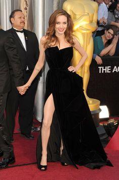 Angelina Jolie usando Atelier Versace