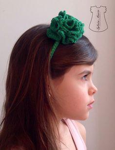 Diadema verde hecha a crochet. Color primaveral!! A qué esperas para tener una!! sylviamarie-handmade.blogspot.com
