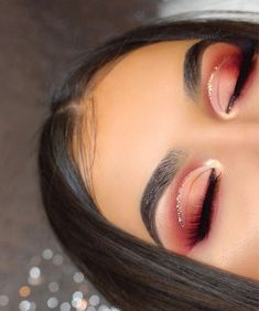 Red eye makeup looks are some of the prettiest makeup ideas! - - Red eye makeup looks are some of the prettiest makeup ideas! Beauty Makeup Hacks Ideas Wedding Makeup Looks for Women Makeup Tips Prom Makeup ideas Cu. Glam Makeup, Red Eyeshadow Makeup, Skin Makeup, Makeup Inspo, Makeup Inspiration, Makeup Brushes, Drugstore Makeup, Eyeshadow Palette, Red Glitter Eyeshadow