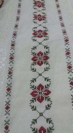 """Sadece 2 Dakika`da göz altı to"", ""Towel with Cross-Stitch"", ""Discover thousands of images about Pano"" Cross Stitch Borders, Cross Stitch Flowers, Cross Stitch Designs, Cross Stitching, Cross Stitch Embroidery, Embroidery Patterns, Hand Embroidery, Cross Stitch Patterns, Canvas Template"