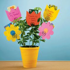 teacher appreciation gift, love the flower shaped gift card holders.  Also cute for Mom!