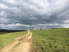 Blog über das Reisen und wandern. Zurzeit vorallem Wandern in der Schweiz. Fernziel ist der Fernwanderweg E1 Lappland, Hiking Dogs, Switzerland, Country Roads, Blog, Hiking, Viajes