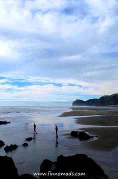 Piha Beach, New Zealand. Beach Travel, Beach Trip, Kiwiana, Volunteer Abroad, Budget Travel, Continents, Beautiful Beaches, Travel Pictures, Backpacking