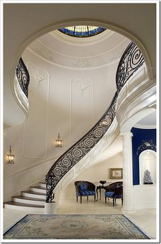 stairway to heaven? Beautiful staircase with blue chairs stairway to heaven? Beautiful staircase with blue chairs Grand Staircase, Staircase Design, Staircase Ideas, Luxury Staircase, Curved Staircase, Floating Staircase, Winding Staircase, Foyer Ideas, Foyer Design